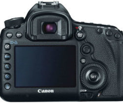 Canon EOS 5D Mark III With EF 24-105mm Lens Kit-02