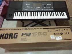 Korg PA-600 Professional 61-Key