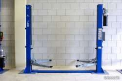 New car Lift for sale Gambia
